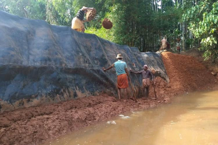 labourers building a katta in padre of kasaragod