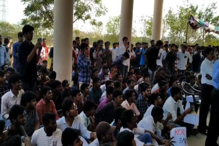 Alleging poor infrastructure, Kakatiya University students start