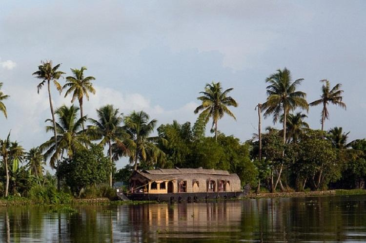 Tough competition from Sri Lanka but Kerala Tourism eyes 12 pc growth in tourist arrivals