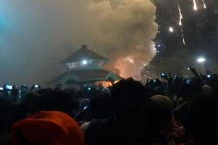 Massive fire in Paravur temple at Kollam in Kerala 106 dead