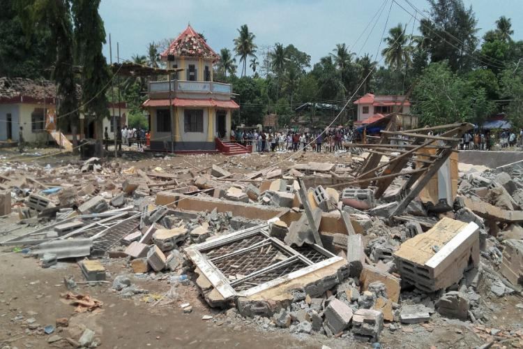 High level police district and govt officials clash in the aftermath of the Kollam fire tragedy