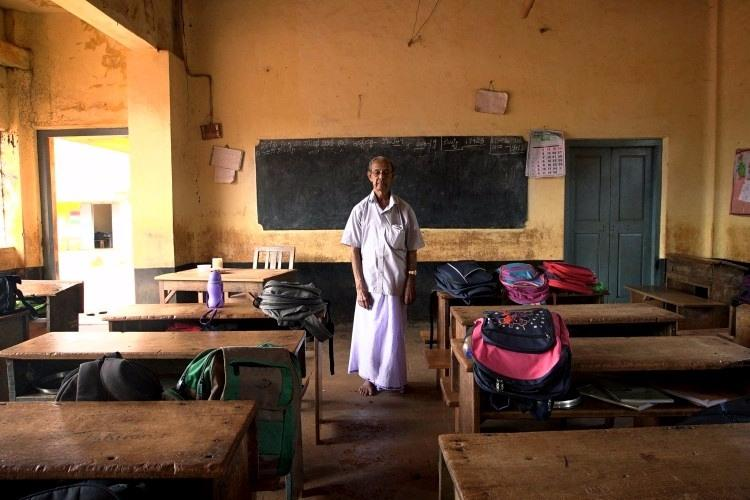 With their walls and roof crumbling this nearly 100-yr-old school in Ktaka needs your help