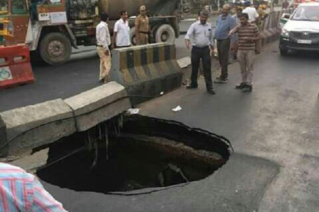 Chennai road cave-in scare continues Now massive crater in Kilpauk