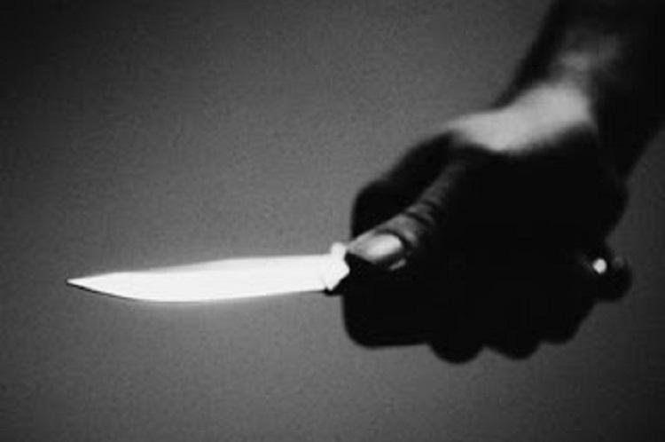 Man attacks wife with knife outside police station in Hyderabad detained