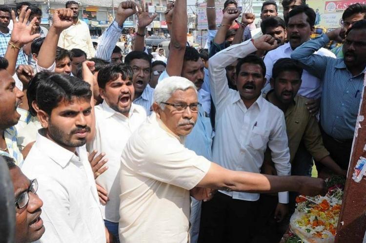 Rift in Telangana JAC Kodandram taking unilateral decisions complain senior leaders
