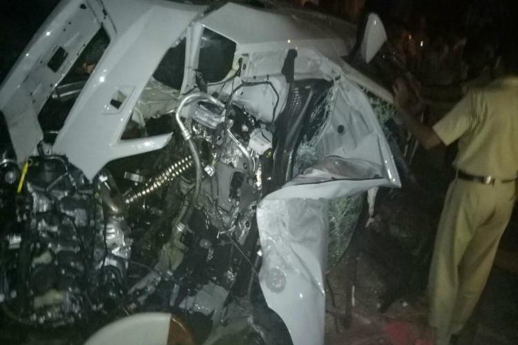 Car racing kills youngster in Kerala 24-yr-old dead after his speeding car hit auto