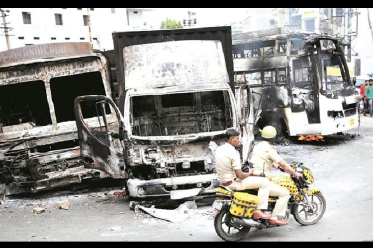Ktaka CID to probe KPN bus burning young industrial workers among accused