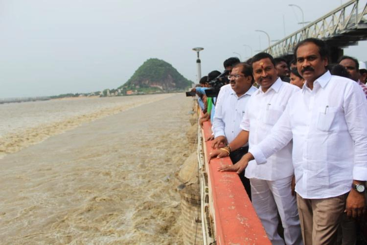 In Andhra 3 districts on alert as second level warning continues at Prakasam barrage