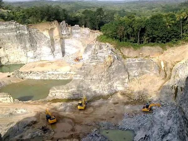 Quarry country Kollam Owners in Kerala continue to mine without environmental clearances