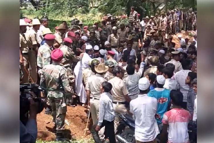 An old mosque and a battle for land Why Bengaluru residents protested against the Army