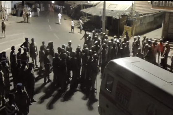 Video Protesters lathi-charged in Udumalaipettai for protesting hacking of Dalit man