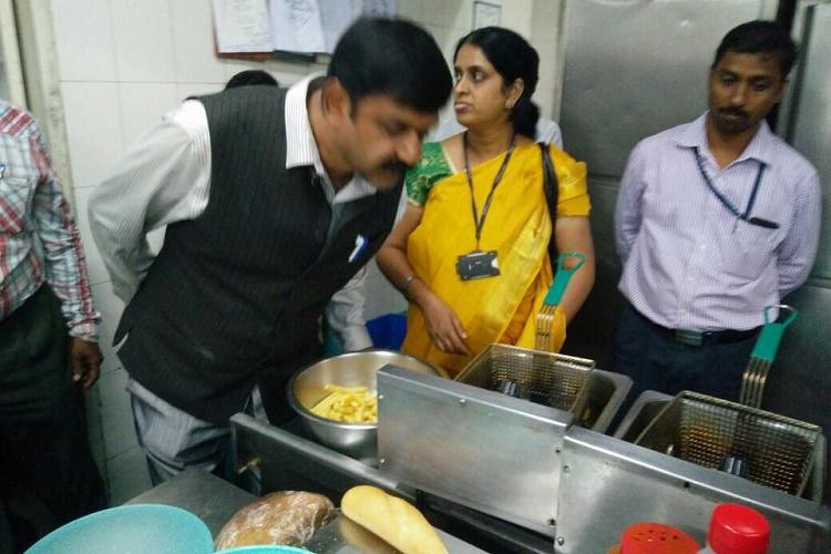 Kitchens of many posh restaurants in Bengaluru dirty BBMP slaps fine