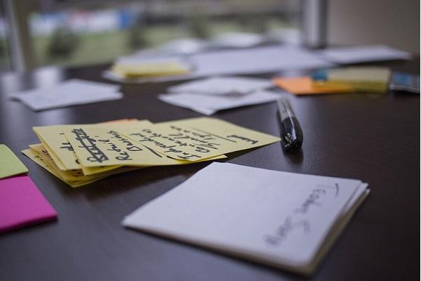Hire hustlers wear multiple hats 5 tips to build and run a lean startup
