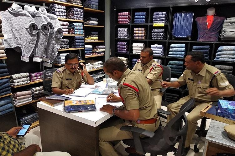 50 popular Hyd textile shops raided 472 cases filed for cheating Dasara customers