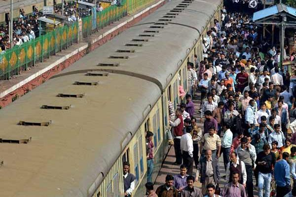 Vendors groping hands on Kerala train caught thanks to officers timely response