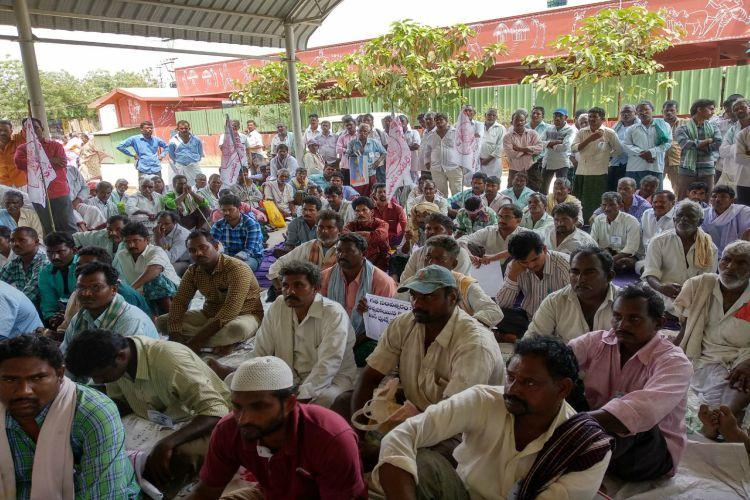 Ground report Massive protest by AP tenant farmers seeking loan eligibility cards