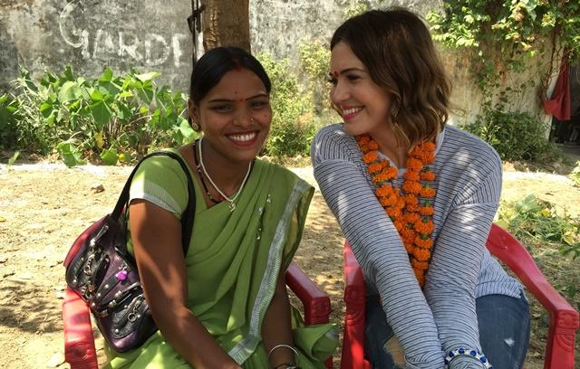 Mandy Moore digs into litti chokha on India visit