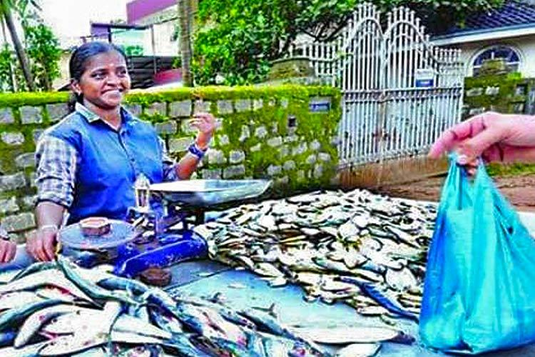 RIP Maneesha Kerala graduate who sold fish for a living dies in tragic accident