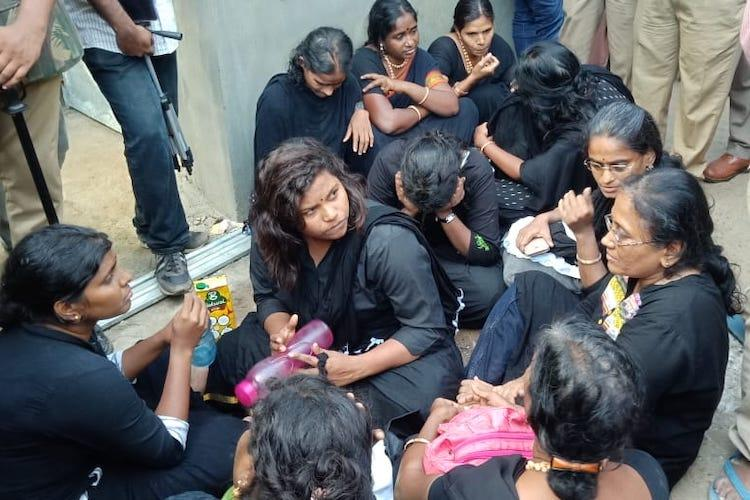Six women from TN reach Pamba get ready to climb Sabarimala amidst protests