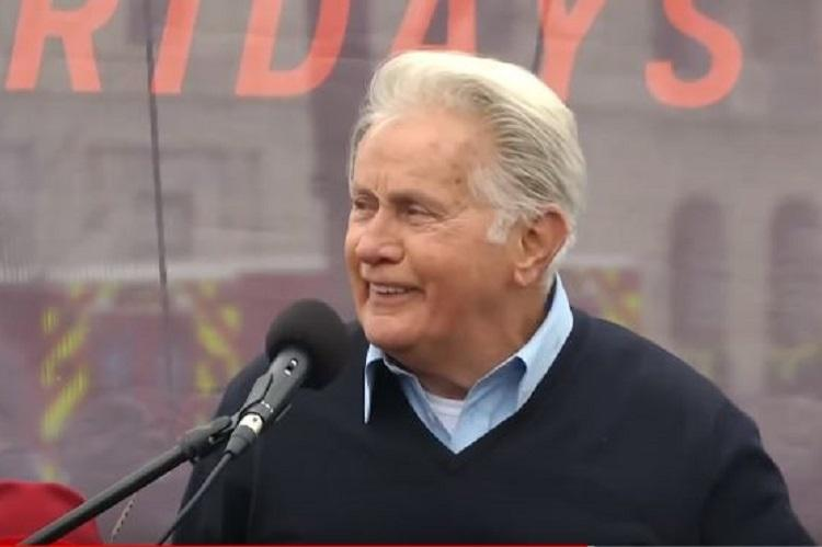Actor Martin Sheen recites Tagores Where The Mind Is Without Fear at US protest march