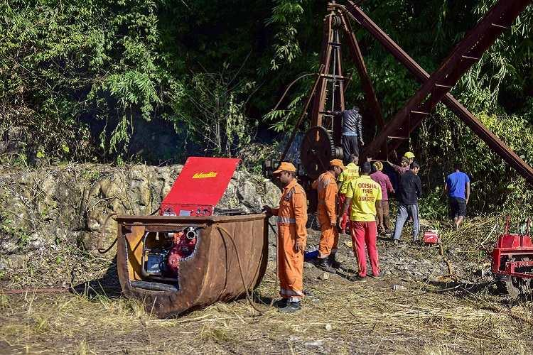 SC seeks status report from Centre Meghalaya govt on miners trapped since 23 days