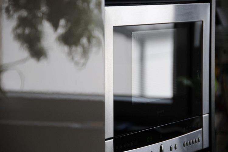 Hot food fast The home microwave oven turns 50