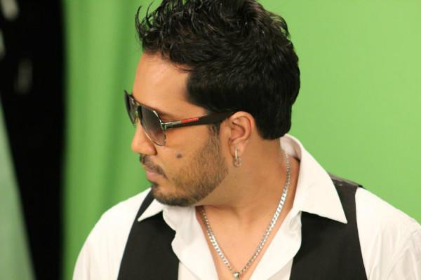 Model files molestation case against Mika Singh singer files counter alleging extortion