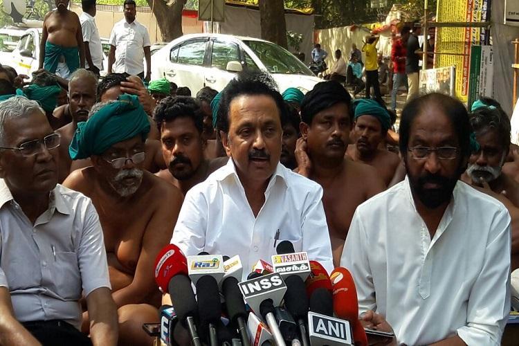Farmers protest enters week 3 MK Stalin meets agitators in Delhi