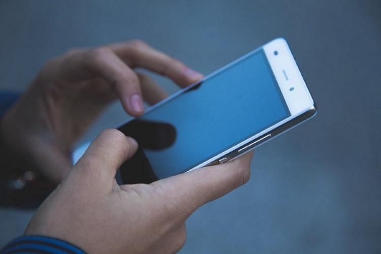 Betting provider deposit with mobile phone