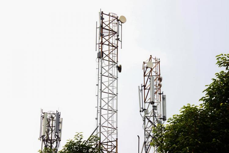 Mobile communications tower
