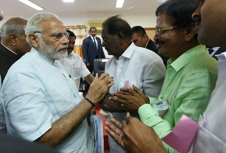 Ockhi: Modi holds meeting with officials in Lakshadweep