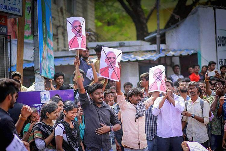 Where was the ordinance till today Pro-jallikattu protesters wont cut Centre State any slack