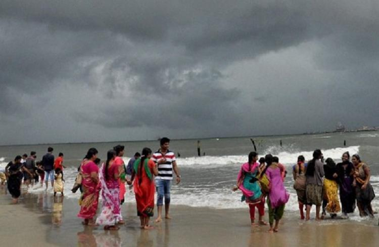 Finally some relief for Chennai as short spell of rains lowers mercury