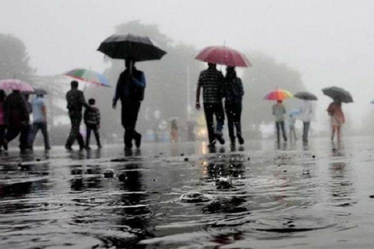 Moderate showers leave many areas in Bengaluru waterlogged