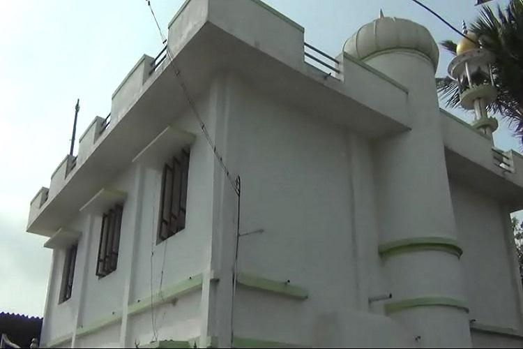Petrol bombs hurled at mosque in Coimbatore security demanded