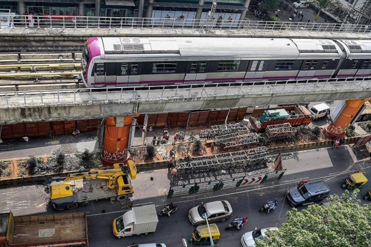 no-metro-trains-between-mg-road-and-indiranagar-bengaluru-free-bus-services/