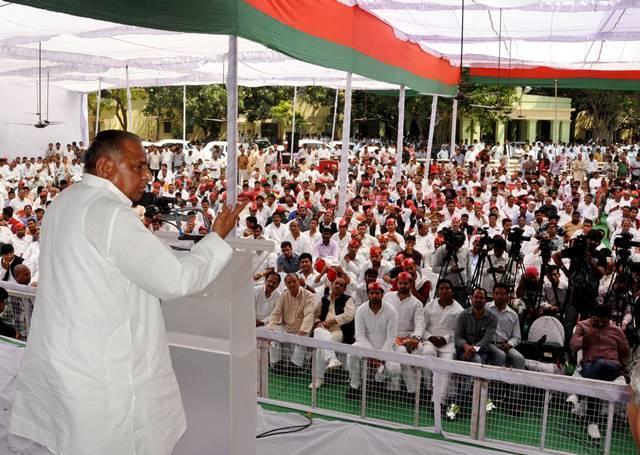 Bihar polls Samajwadi Party quits Janata Parivar to fight alone
