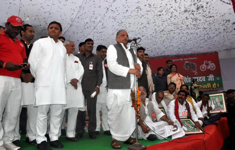 Half of minsters in UP yet to mend their ways busy minting money Mulayam Singh Yadav