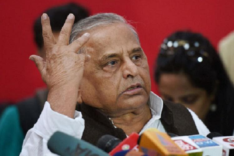 In another U-turn Mulayam Singh says no dispute with Akhilesh