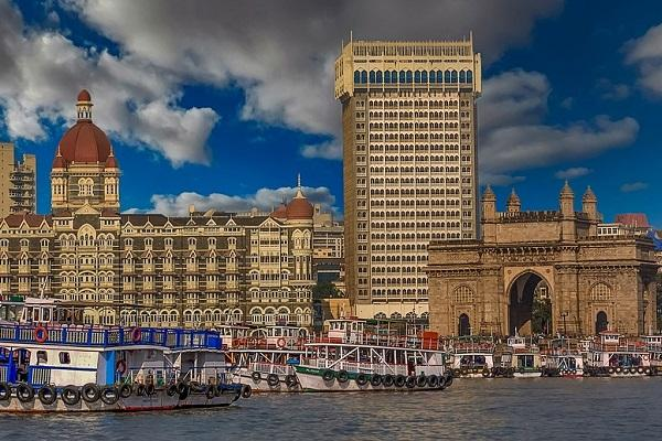 Ola ties up with Maharashtra govt to give Mumbai Darshan to tourists