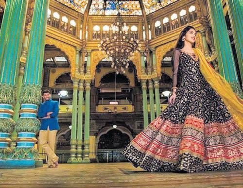 Unauthorised Viral photos and video of couple in Mysuru Palace have officials in a tizzy