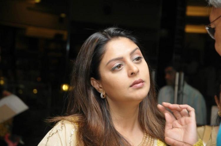 Nagma to play Allu Arjun's mother in Trivikram directorial