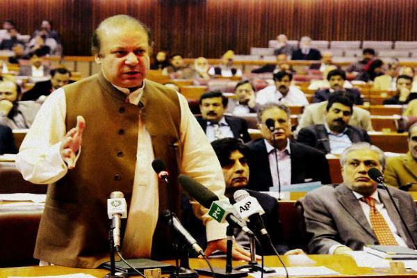 Hold plebiscite in Kashmir says Pak PM Nawaz Sharif