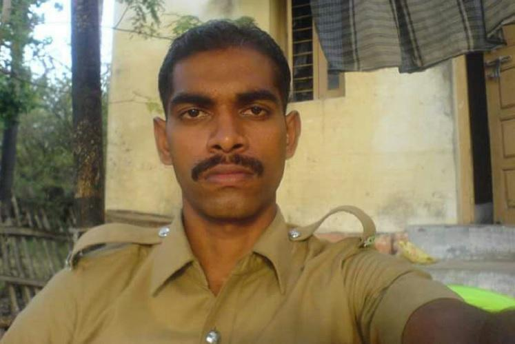 TN policeman investigating illegal sand mining killed hand of sand mafia suspected