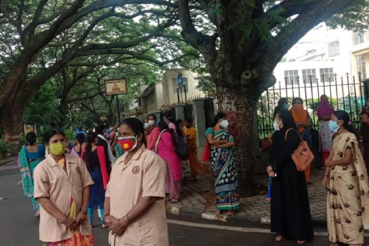 Bengaluru NIMHANS staff protest against lack of insurance cover isolation facility