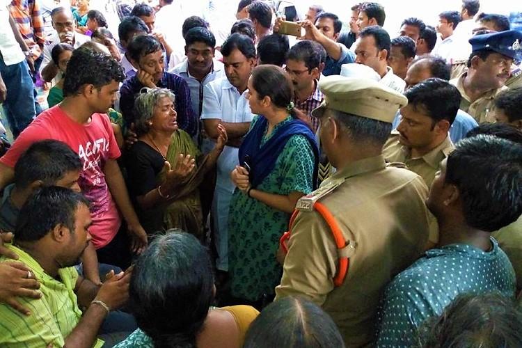 Student kills self at Narayana Junior College hostel in Andhra kin protest