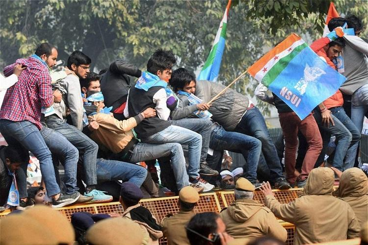 NSUI threatens country-wide protests if it faces action for burning Modi effigy