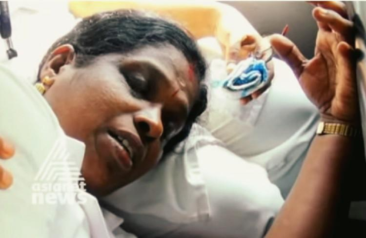 Goons with knives attack MR vaccination drive in Malappuram fracture nurses arm