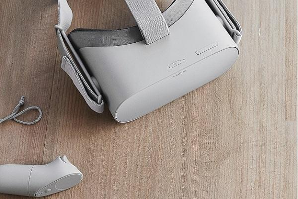 Facebook unveils standalone VR headset Oculus Go to start shipping in early 2018