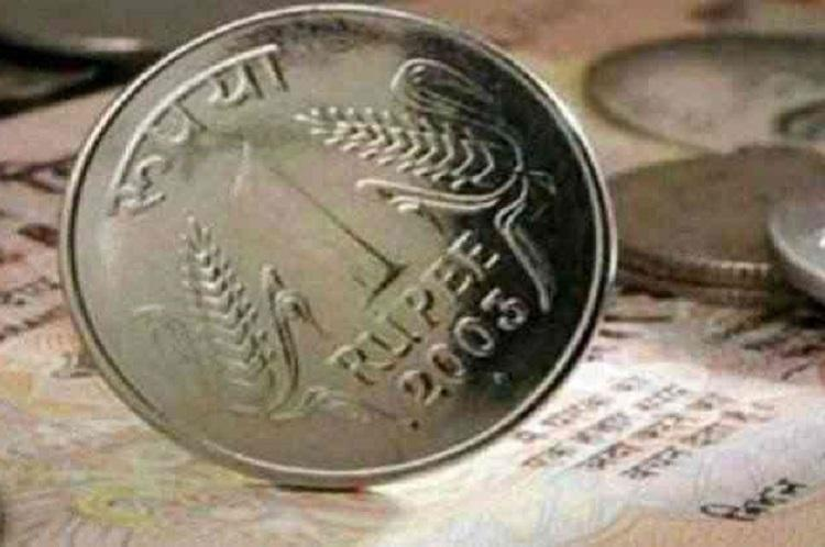 Top 10 per cent of earners in India own more than half of countrys wealth